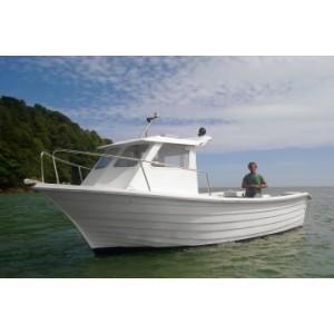 700 Pescador (cabina à proa)
